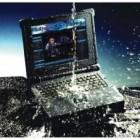 Nên làm gì khi laptop bị dính nước?